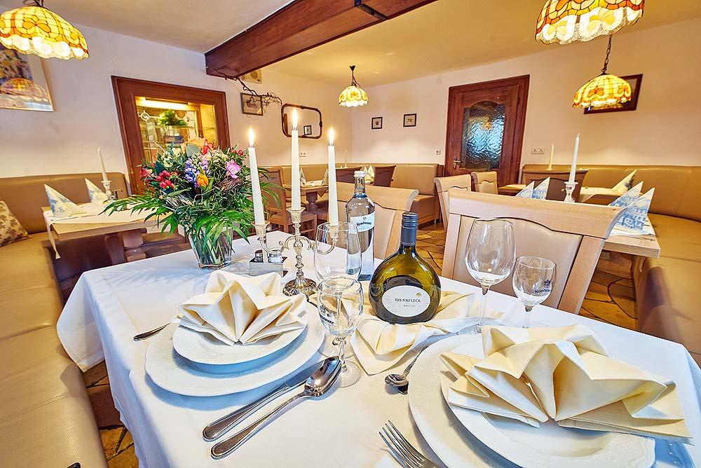 Salles de restaurant - Akzent-Hotel Goldner Stern