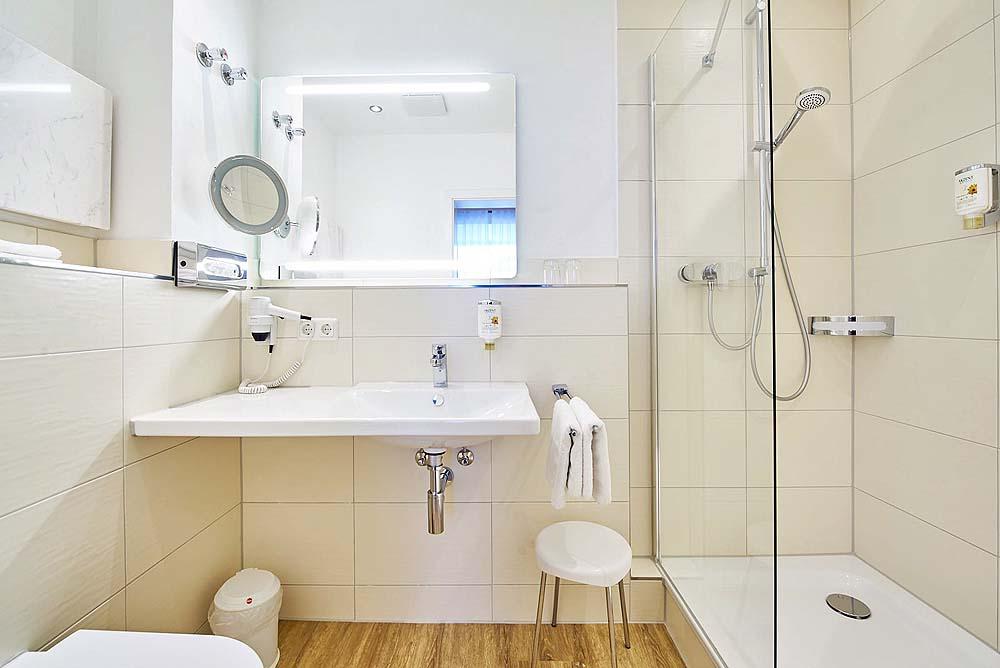 renovierung abgeschlossen akzent hotel goldner stern. Black Bedroom Furniture Sets. Home Design Ideas
